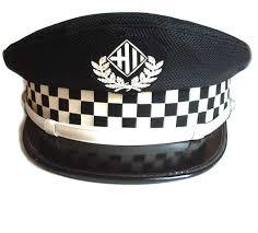 Fuente: http://insigniaspoliciales.com/gorra-guardia-urbana-de-barcelona-p-484.html